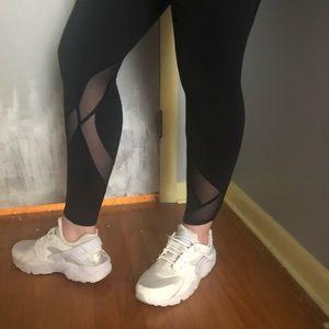 Black lululemon mesh leggings